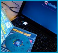 Quartzlab Ubuntu Lynx Picture disk open on an aged IBM Thinkpad running Ubuntu